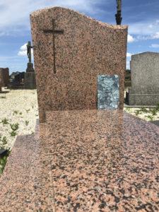 Que mettre sur une plaque funéraire