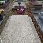 nettoyage d'une tombe en granit avant après